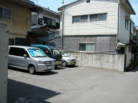 高亀駐車場